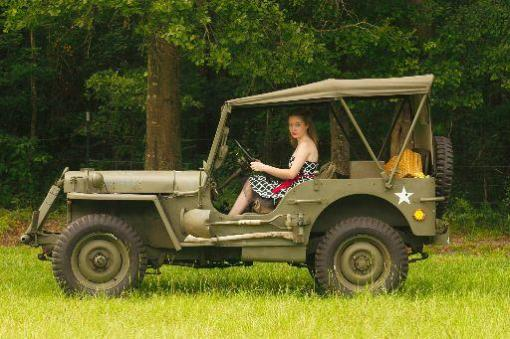 Army Jill in the 1942 Ford GPW.
